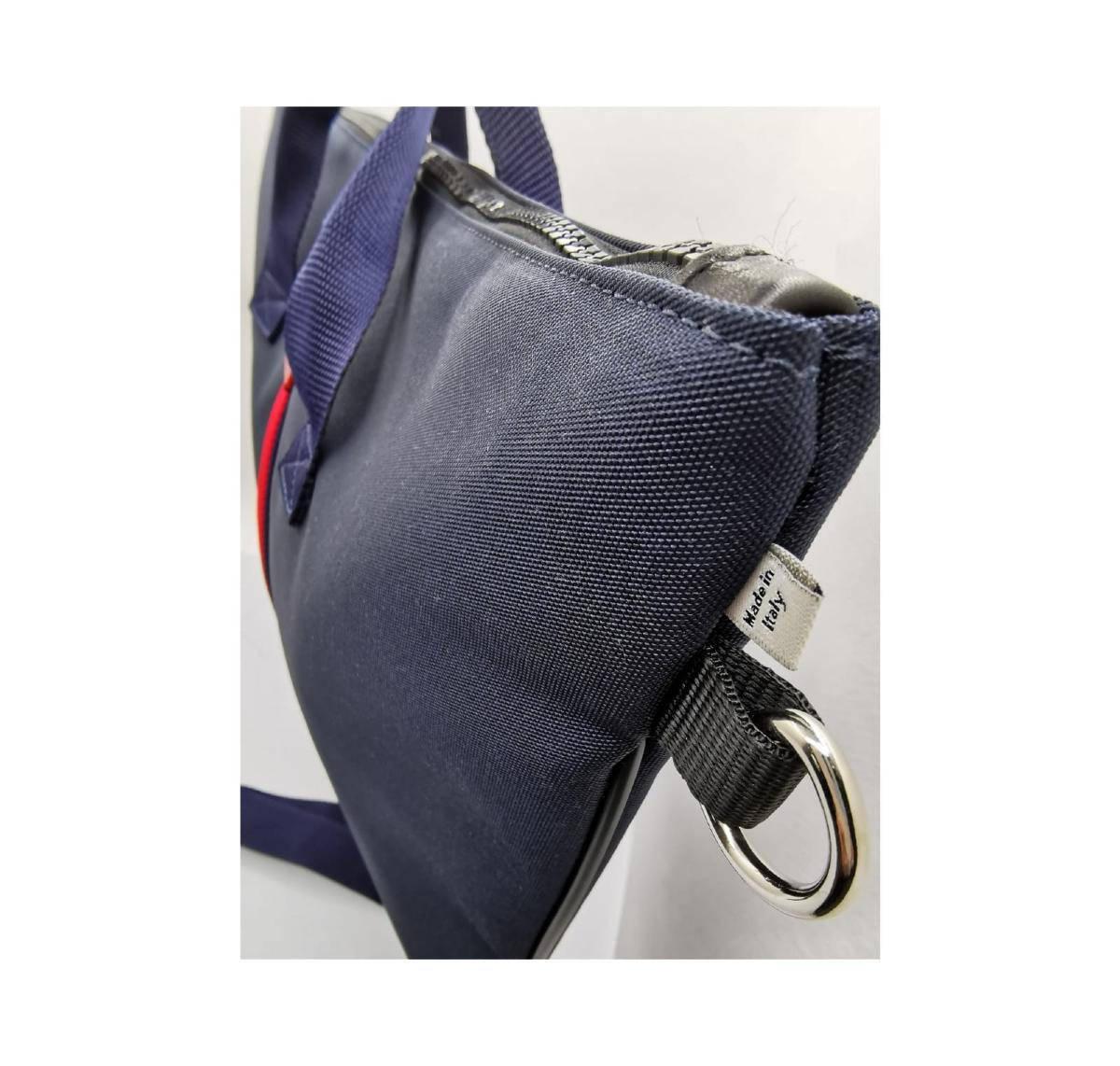 maxi-bag-blu-riga-rossa-dettaglio